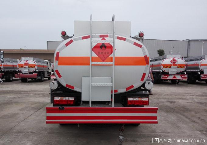 东风小多利卡D6窄体加油车