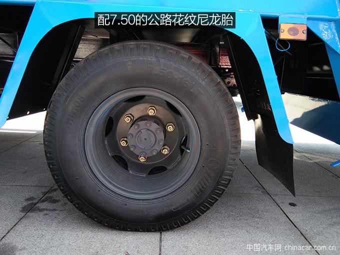 东风多利卡压缩<a href='http://www.rlqcgs.com/LaJiChe/'>垃圾车</a>
