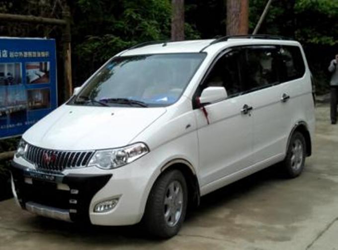如今的家用车市场,7座mpv车型很受消费者欢迎,在二三十万的价格区间图片