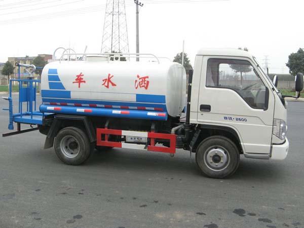 福田3吨洒水车侧面图片