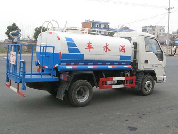 福田3吨洒水车斜背面图片