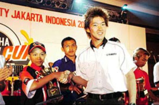 雅马哈致力于培养新一代英雄——马来西亚首位MotoGP 车手诞生!1767.png