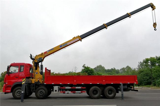 东风天龙前四后八徐工16吨随车吊作业状态展示