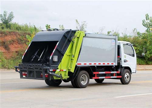 东风多利卡5吨压缩式垃圾车.jpg