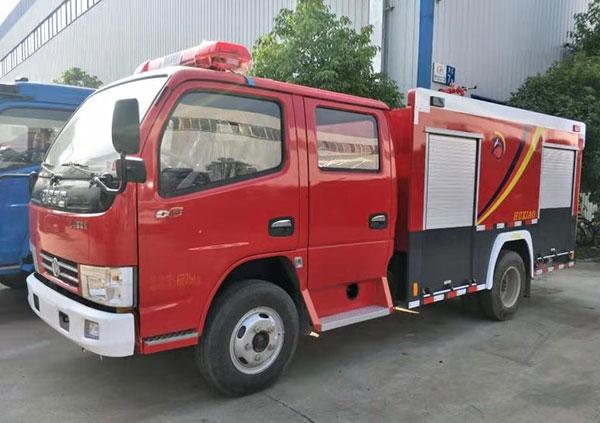 东风2吨水罐消防车.jpg
