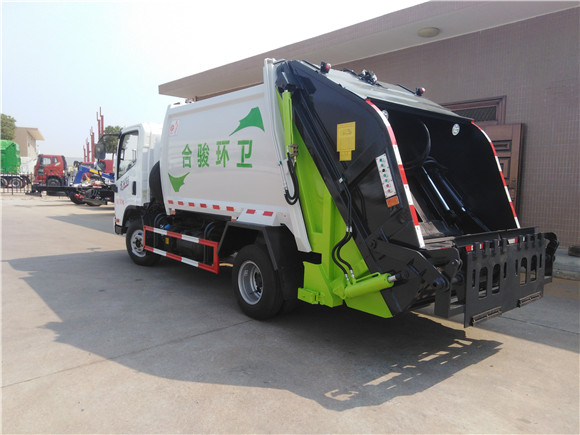 解放6方压缩垃圾车价格.jpg