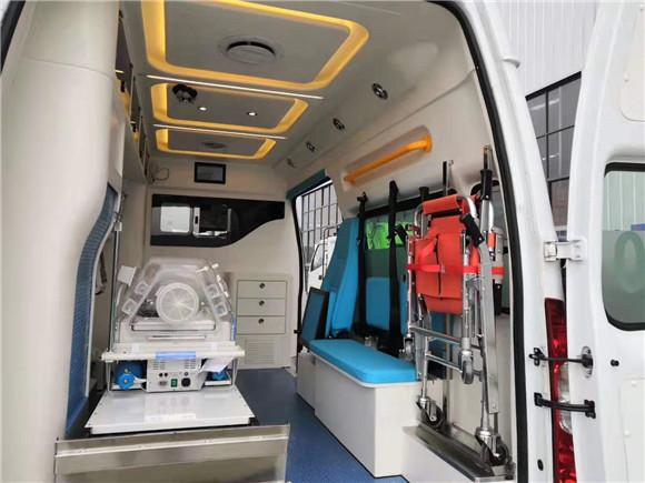福特v348救护车图片.jpg