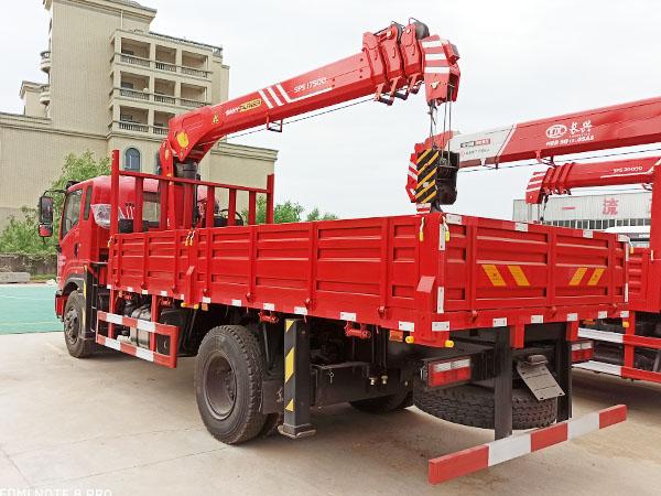 东风畅行D1L三一8吨随车吊.jpg