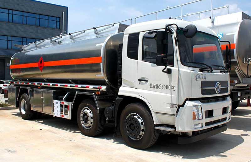 天锦小三轴19吨铝合金油罐车多少钱