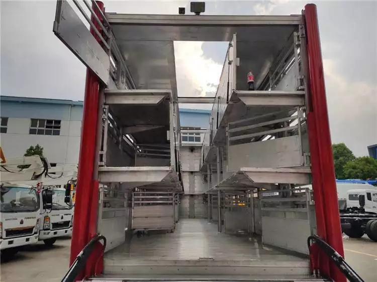 东风9米6空调恒温拉猪车.jpg
