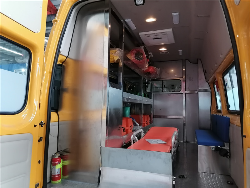 福特工程救险车图片.jpg