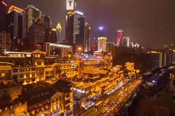 还有诗和远方,重庆彭哥和长安凯程F70的3D人生