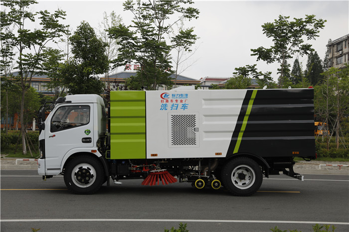 国六洗扫车_东风福瑞卡8方街道洗扫车_配置图片