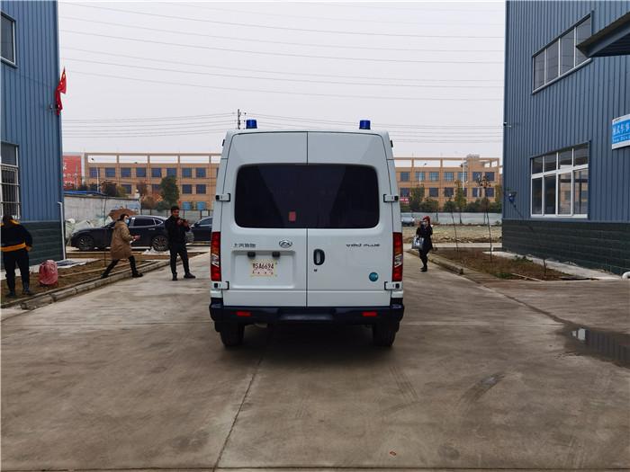 上汽大通V80警囚车报价_公安囚车有救护转院型的吗