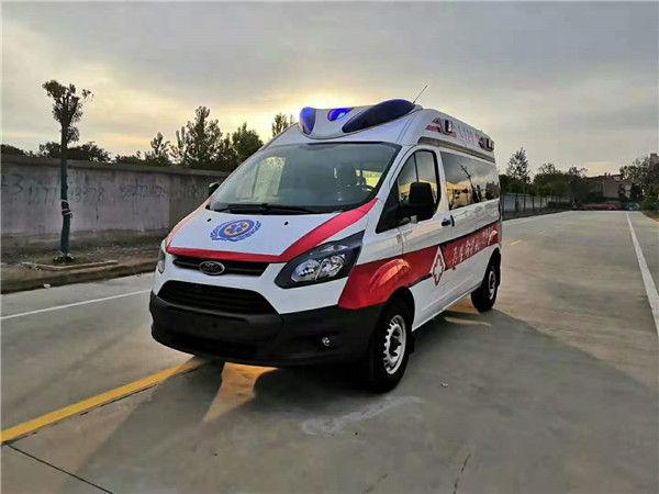 国六负压救护车图片,福特全顺救护车配置,监护型救护车现车直销