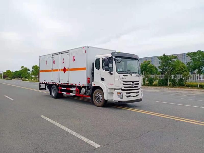 东风锦程国六6.8米易燃气体|液体|杂项厢式运输车厂家报价