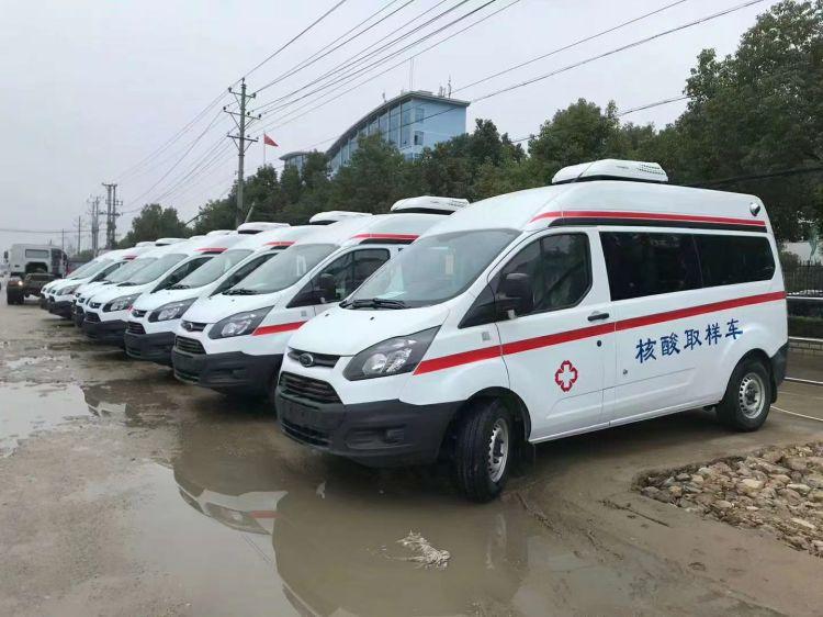 程力汽车集团8台核酸取样车整装待发将通过板车发往黑龙江省中心医院