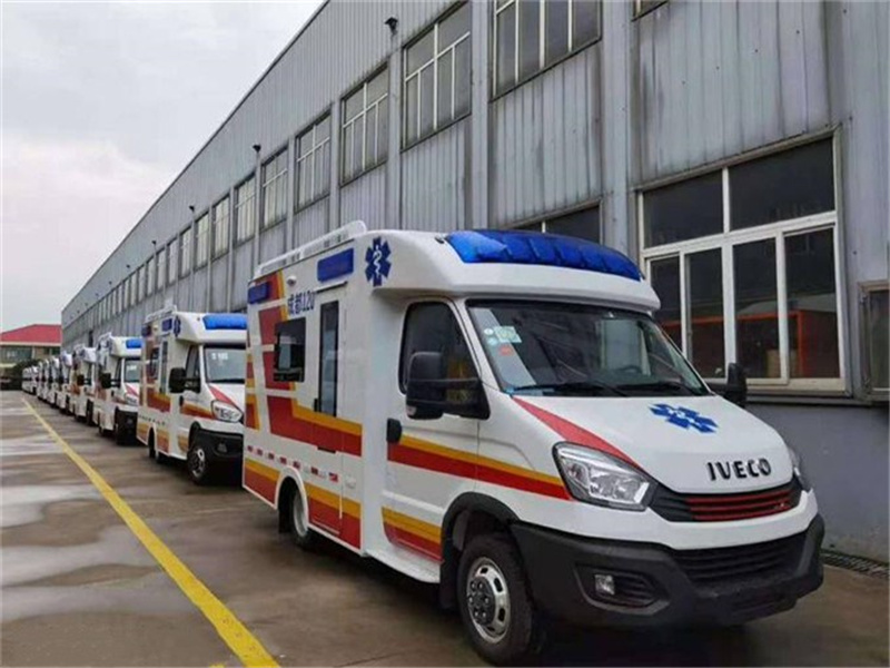 最新款依维柯方舱负压层流救护车厂家