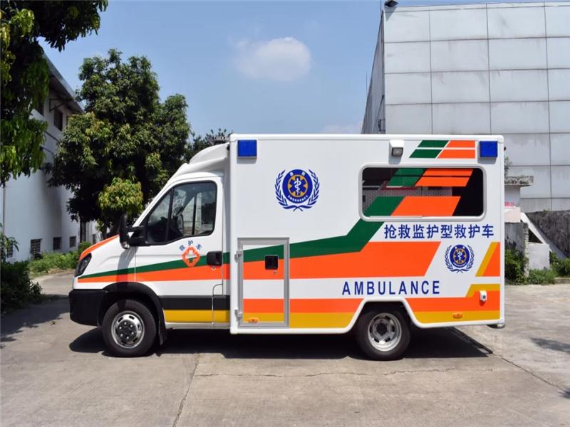 福特全顺方舱救护车
