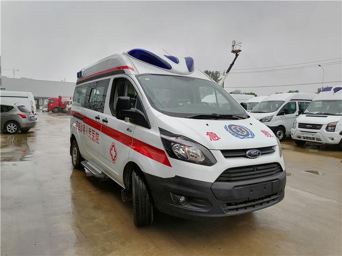 救护车_福特进口四驱救护车_多少钱一辆