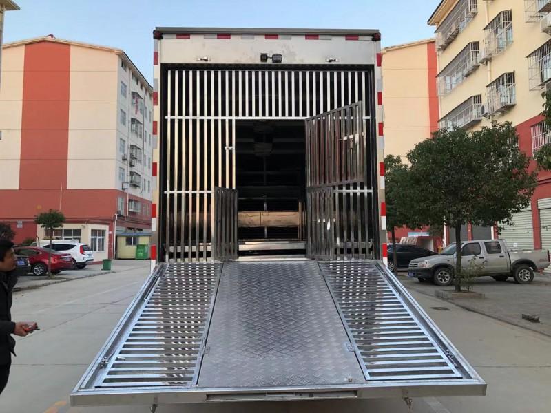 6米8拉猪车_9米6恒温拉猪车—前四后八大型拉猪车多少钱