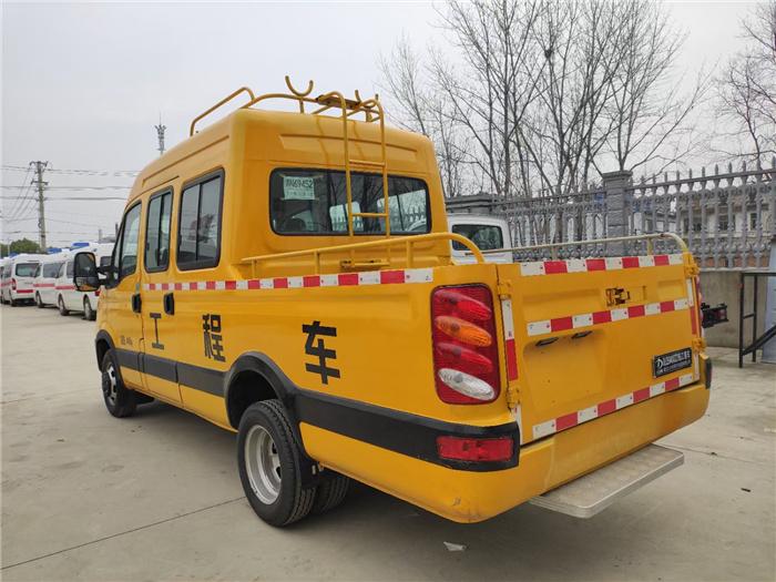 工程维修车_管道抢险车_依维柯9人座带斗-新款欧胜电力工抢险车