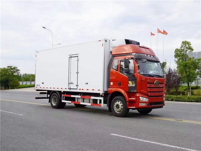 解放J6L精英版高顶双卧6米8冷藏车(国六)